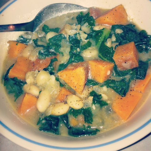 Spicy white bean, sweet potato, and kale soup
